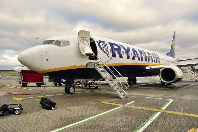 Boeing 737-800 (EI-ESN) - Ryanair Boeing 737-8AS(WL) EI-ESN in London Stansted Airport