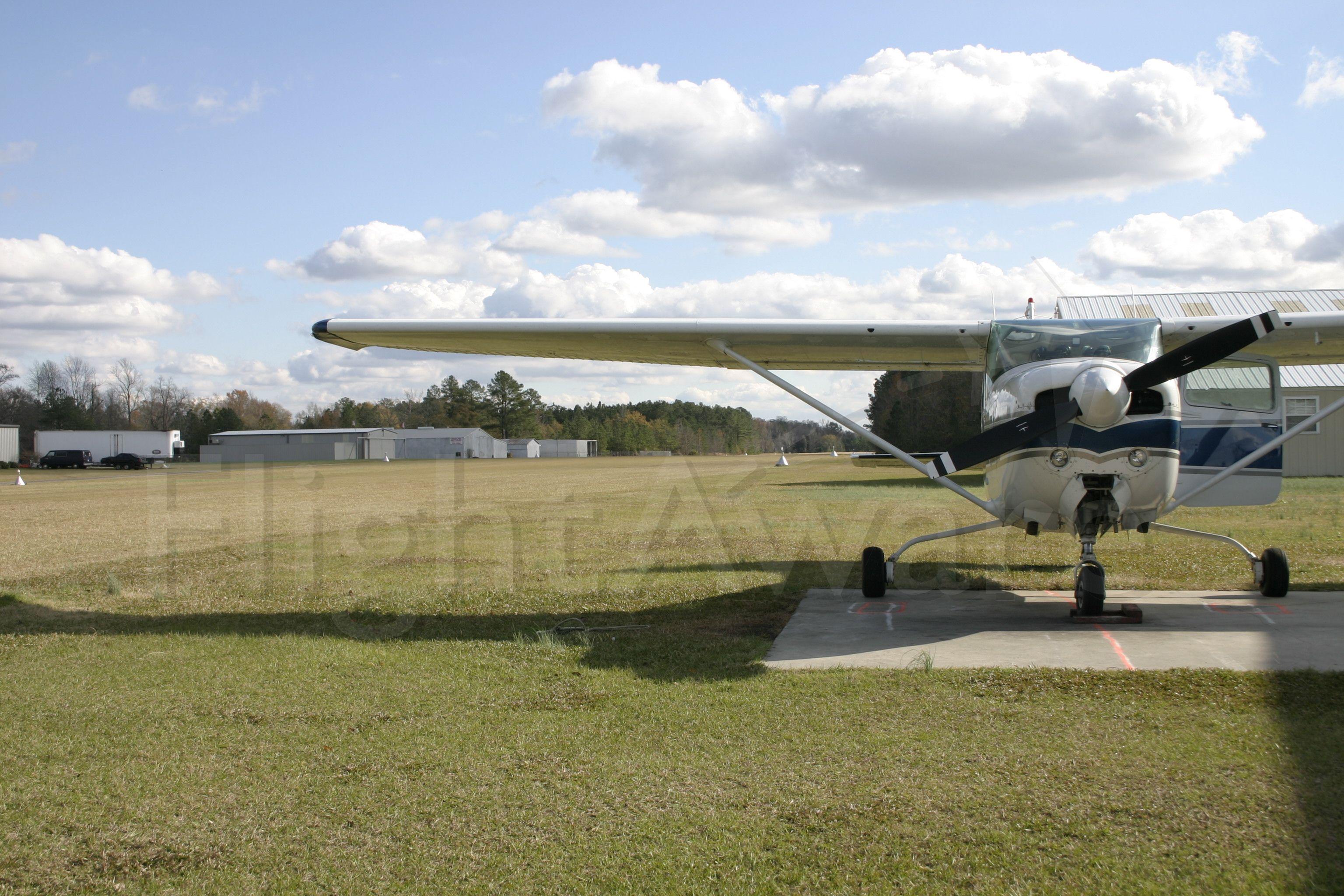 Cessna Skylane (N756FD) - Cessna Skylane 182RG