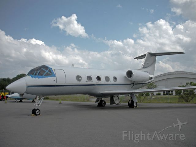 Gulfstream American Gulfstream 2 (N671LW) - This G-II is in awful condition.. appears to be left for parts.