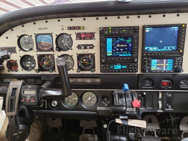 Piper Saratoga (N624DP) - Avionics of Piper Saratoga N624DP, based out of Angel Fire, NM