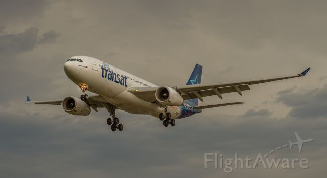 Airbus A330-200 (C-GTSZ)