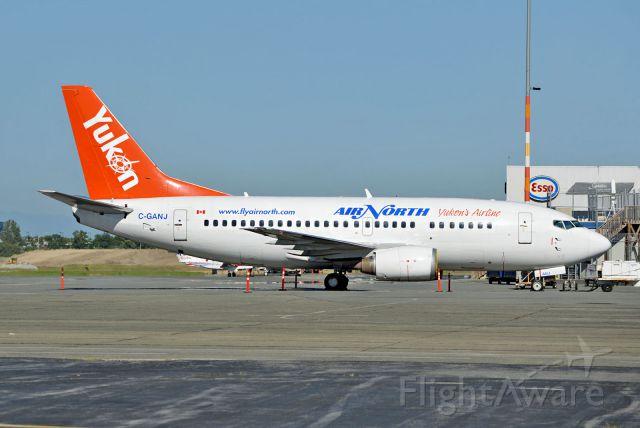 Boeing 737-500 (C-GANJ)