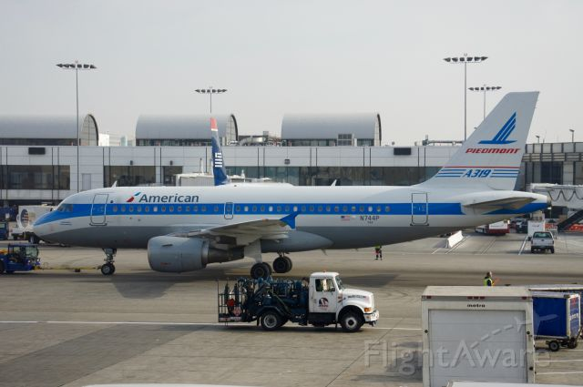 Airbus A319 (N744P) - My heart aches when I see this plane and remember the wonderful phenomenon that was Piedmont Airlines!
