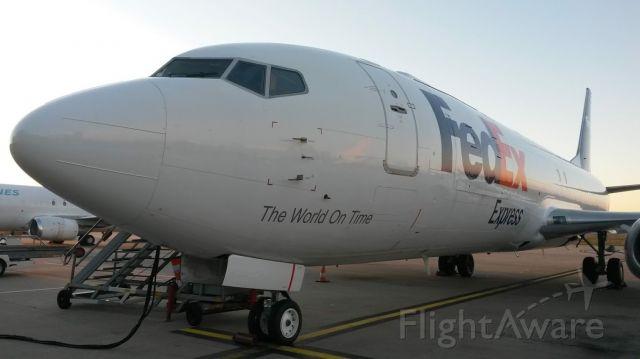 BOEING 737-400 — - Boeing 737-400SF