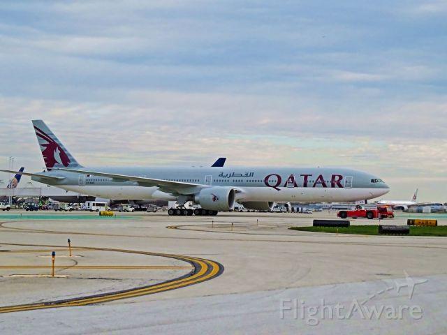 BOEING 777-300 (A7-BAC)