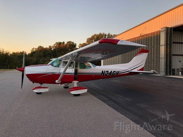 Cessna Skyhawk (N24GV)