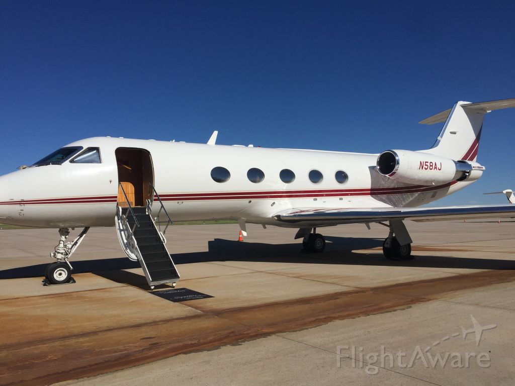 Gulfstream Aerospace Gulfstream 3 (N58AJ) - This is One Flights new Gulfstream G3 with brand new g650 style interior and a brand new paint job! Getting ready to leave for Orange County (KSNA).