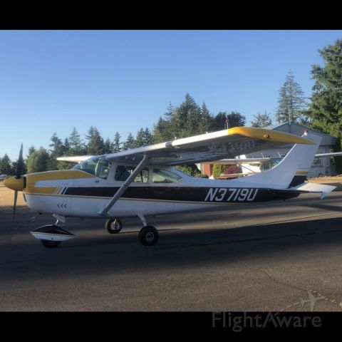 Cessna Skylane (N3719U) - Took at the fuel pumps on August 28, 2020, the second start on the fresh cylinders, pistons, and prop
