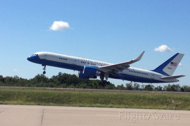 Boeing 757-200 — - Unite State Of America 757 doing touch and goes