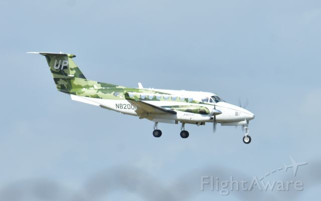 Beechcraft Super King Air 350 (N820UP) - BEECHCRAFT B300 KING AIR 350I