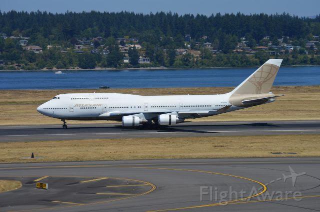 Boeing 747-400 (N322SG) - GTI8515 arriving on 28R from Victorville (KVCV/VCV) to pick up FC Barcelona.