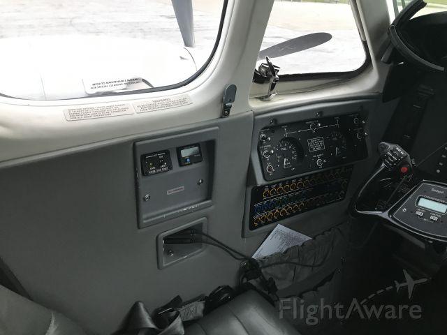 Beechcraft Super King Air 300 (N218Q)