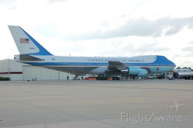 Boeing 747-200 (92-8000)