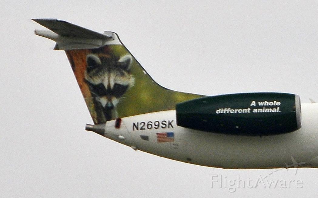 Embraer ERJ-135 (N269SK) - Landing 19R on 07102011
