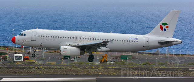 Airbus A320 (OY-LHD)