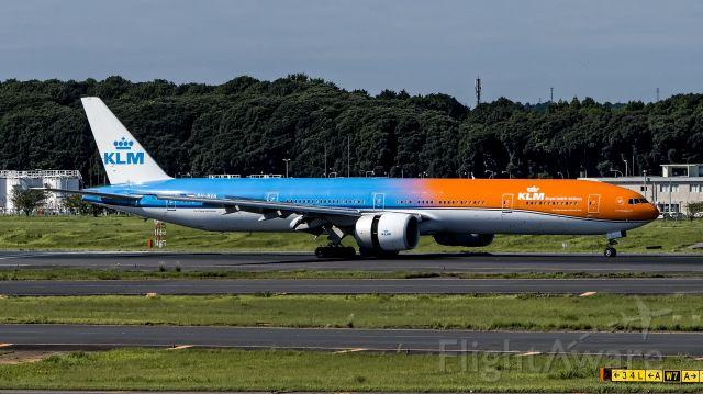 BOEING 777-300 (PH-BVA)