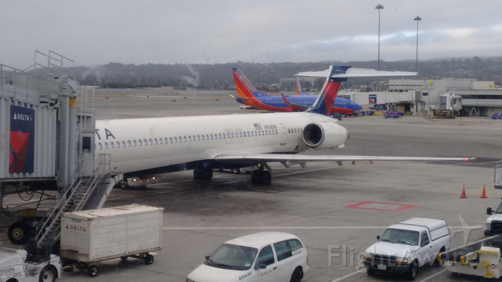 McDonnell Douglas MD-90 (N938DN) - Waiting at gate 42 at SFO to take passengers to MSP parked at Terminal 1 Concourse C