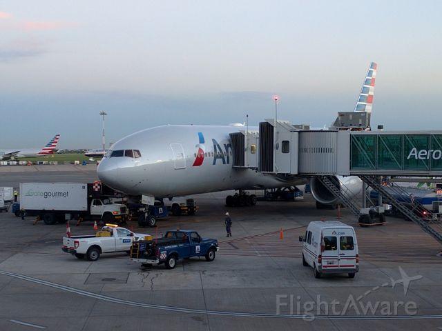 Boeing 777-200 (N783AN)