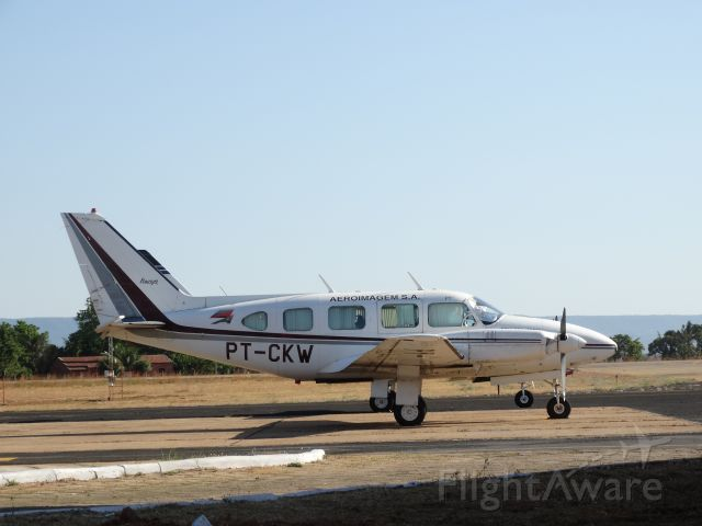 Piper Navajo (PT-CKW) - EMBRAER EMB-820C NAVAJO (PIPER PA-31 NAVAJO)