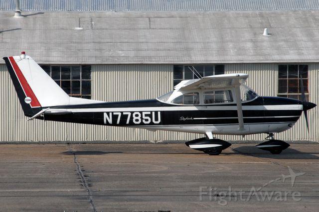 Cessna Skyhawk (N7785U) - Not a great photo, but a great looking 64'-model 172E!