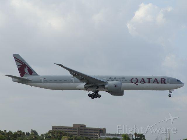 BOEING 777-300ER (A7-BAQ)