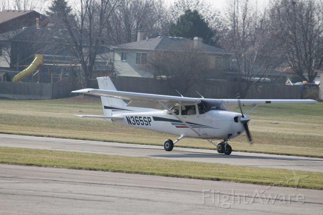 Cessna Skyhawk (N365SP) - Rolling out on 36