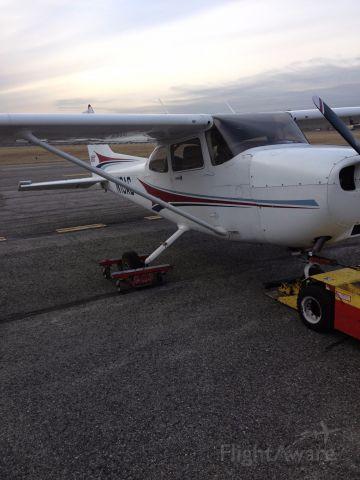 Cessna Skyhawk — - Rotate