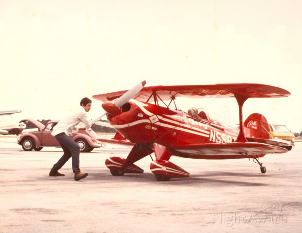 """PITTS Special (S-1) (N55BT) - Propping Bill Thomas off at """"Fly for Fun"""" New Tamiami - Summer 1973"""