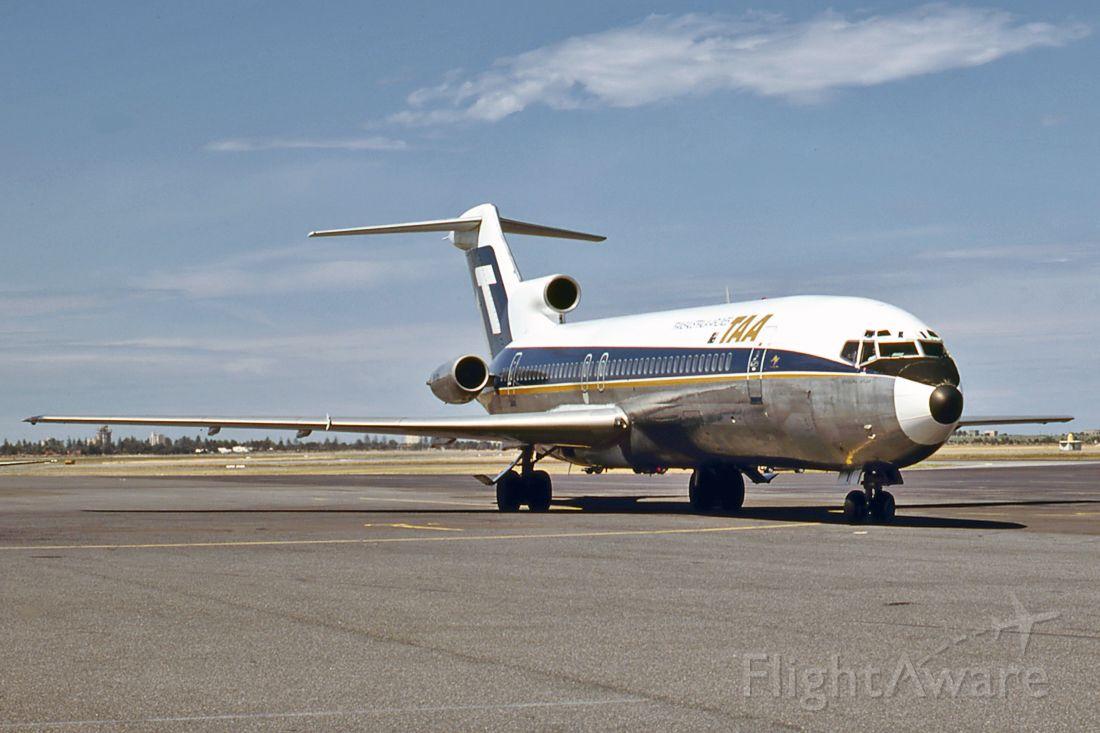 BOEING 727-200 (VH-TBI) - TRANS AUSTRALIA AIRLINES - TAA - BOEING 727-276/ADV - REG : VH-TBI (CN 20554/1027) - ADELAIDE INTERNATIONAL AIRPORT SA. AUSTRALIA - YPAD 4/12/1979