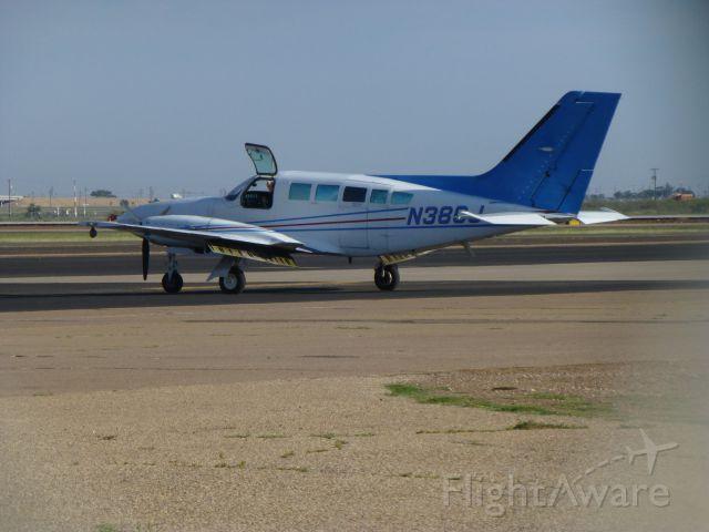 Cessna 402 (N38CG)