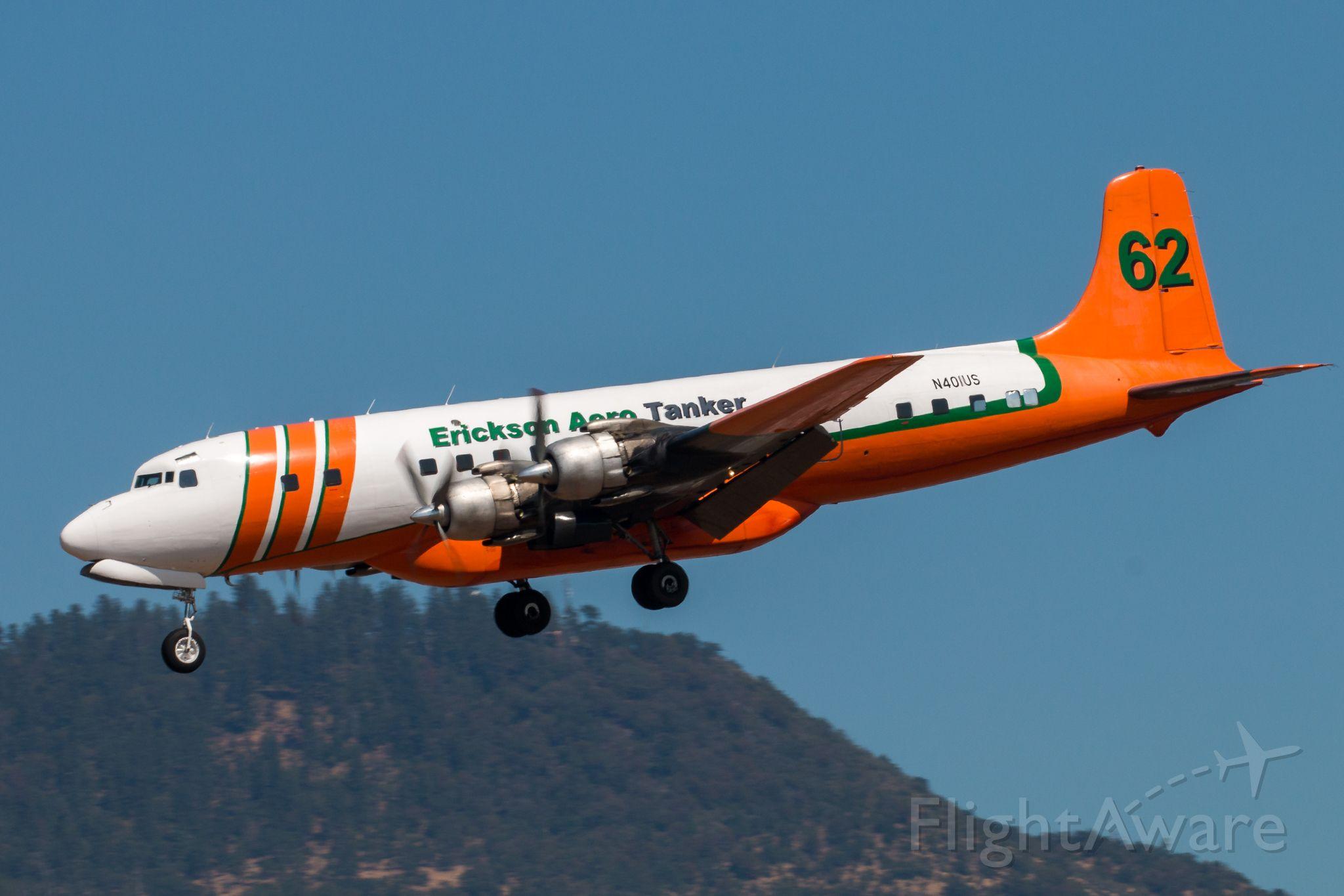 Douglas DC-7 (N401US)