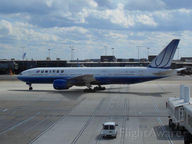 Boeing 777-200 (N221UA) - Taken on 3/29/2009