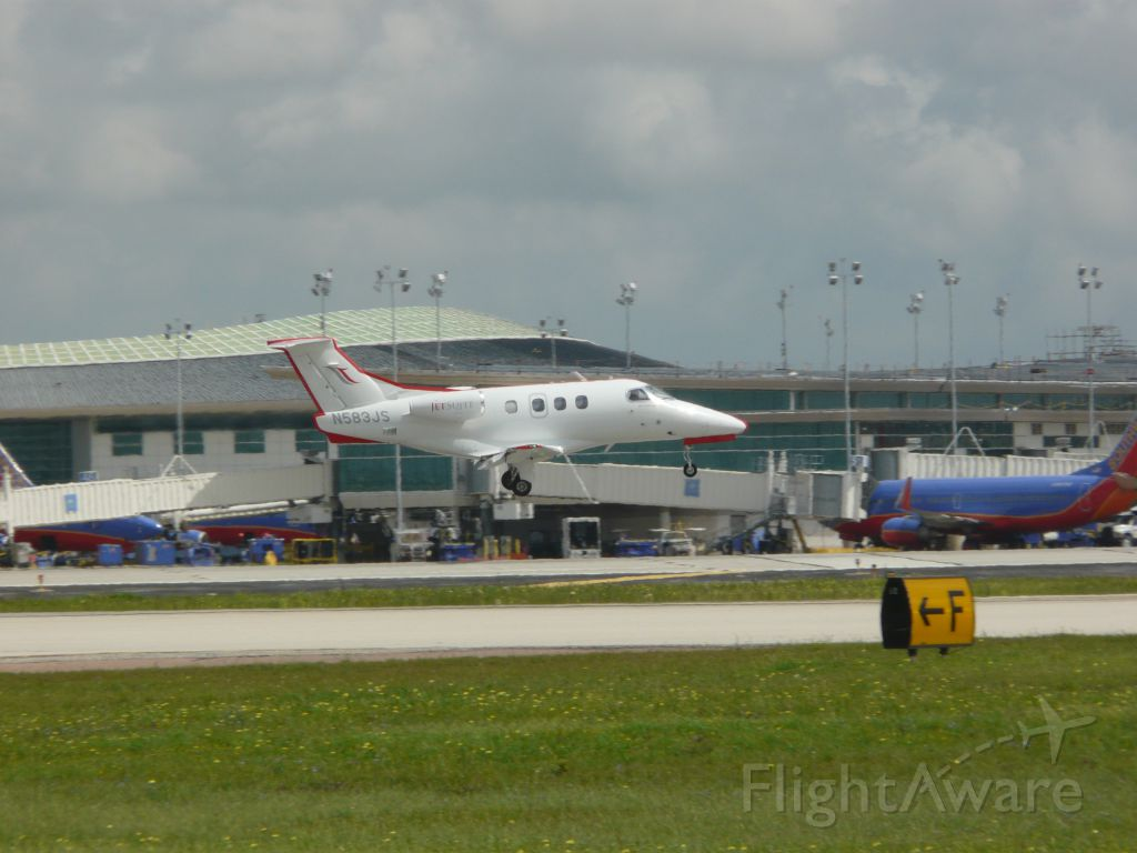 N583JS — - Was at the 1940 Air Terminal Museum when this little biz jet came in for a landing. 3-17-2012