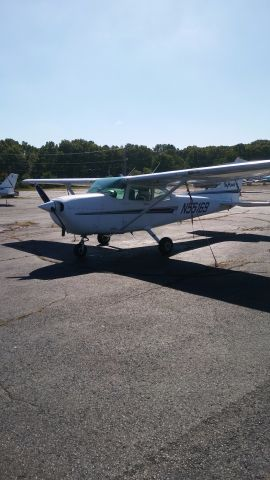 Cessna Skyhawk (N55169) - Cessna 172P, owned and operated by MidIsland air service