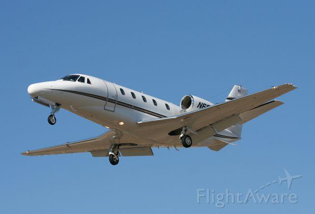 Cessna Citation CJ3 (N600CF) - RWY 24.