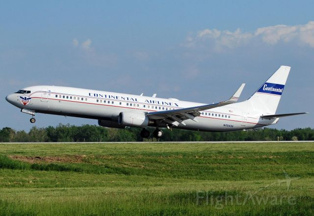 Boeing 737-700 (N75436)