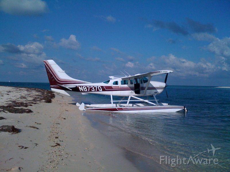 Cessna 206 Stationair (N8737Q)