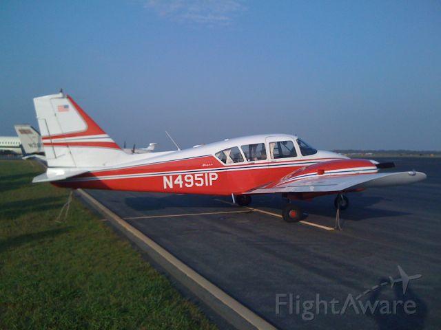 Piper Apache (N4951P)
