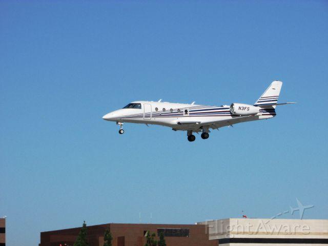 IAI Gulfstream G150 (N3FS) - Landing RWY 30