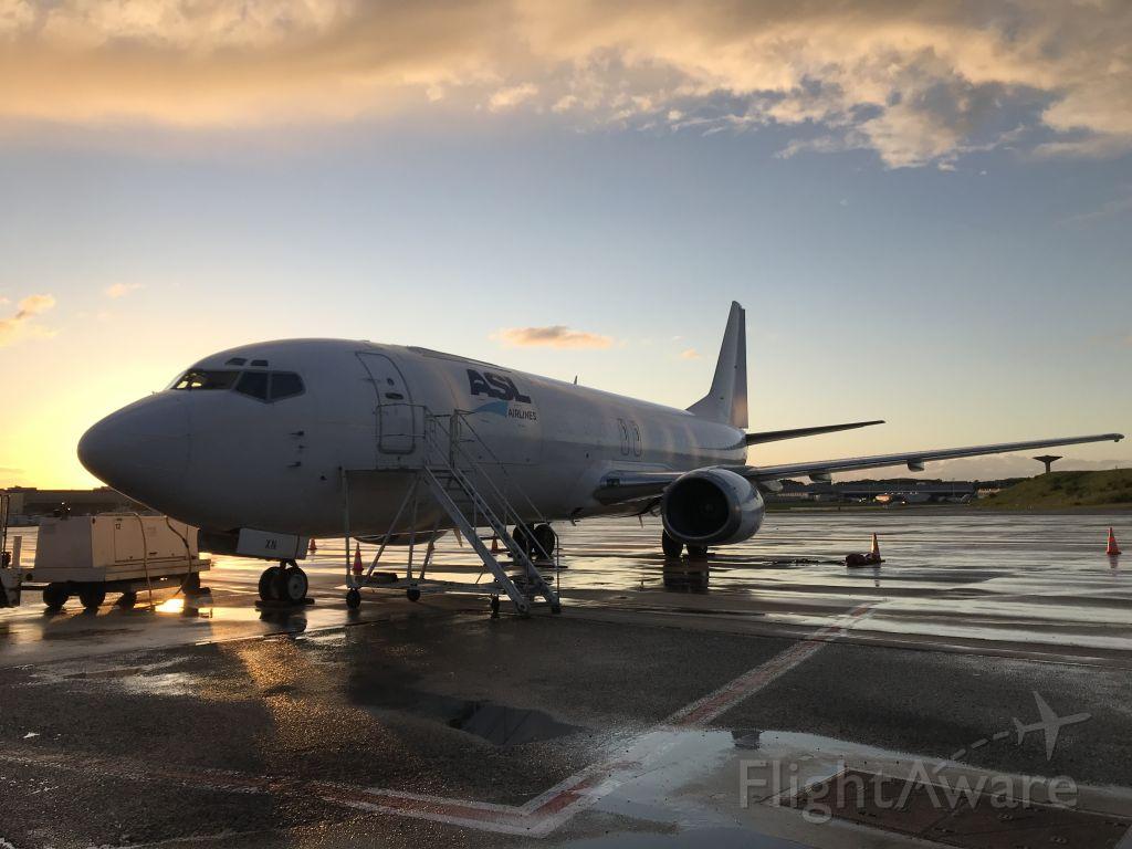 BOEING 737-400 (F-GIXN)
