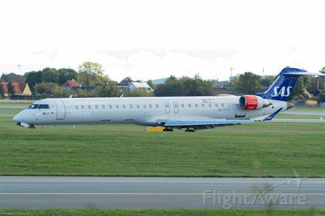 Canadair Regional Jet CRJ-900 (EI-FPP) - Landing in Copenhagen Okt 2020