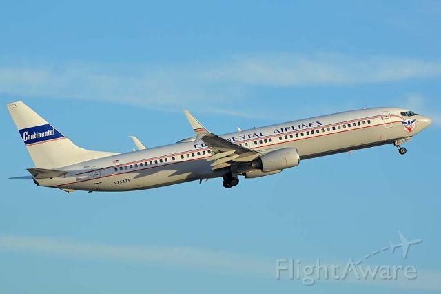 Boeing 737-900 (N75435) - United 737-924 N75435 Continental heritage at Phoenix Sky Harbor on December 27, 2017.