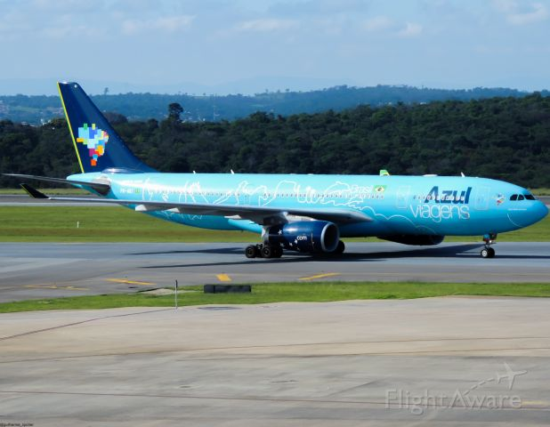 Airbus A330-200 (PR-AIU)