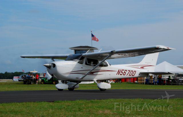 Cessna Skyhawk (N567DD) - 2013 Sun n Fun Parade of Planes
