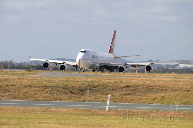 Boeing 747-400 (VH-OEE) - Operating as QF 8 from DFW-BNE-SYD