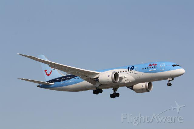 Boeing 787-8 (PH-TFM) - Taken at Lester B Pearson airport (CYYZ)