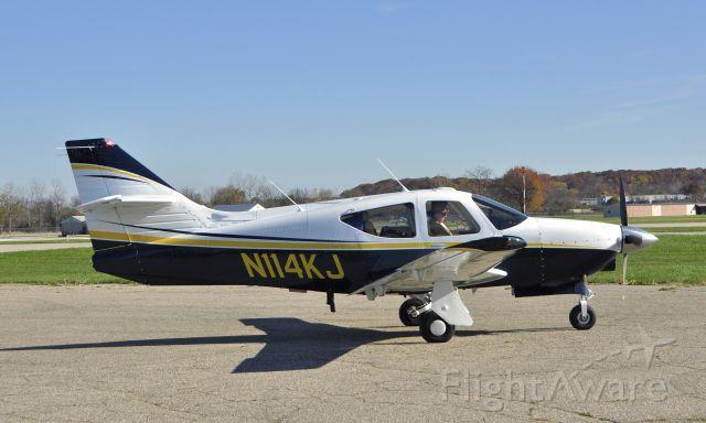 Rockwell Commander 114 (N114KJ) - Rockwell Commander 114-B N114KJ in Ann Arbor
