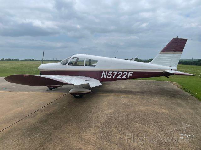 Piper Cherokee (N5722F)