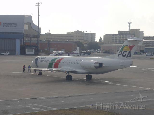 Fokker 100 (CS-TPF)