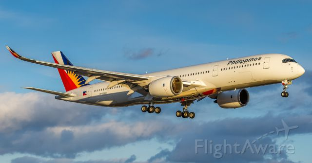 Airbus A350-900 (RP-C3504) - Philippines Airlines now bringing the A359 to YYZ, here on finals for runway 23 in early evening light
